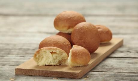 butter bread, dinner roll, seeds, 2 ounces