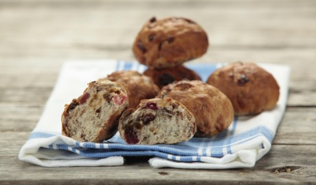 cpcr, dinner roll, cranberries, raisins, cinnamon, pecans